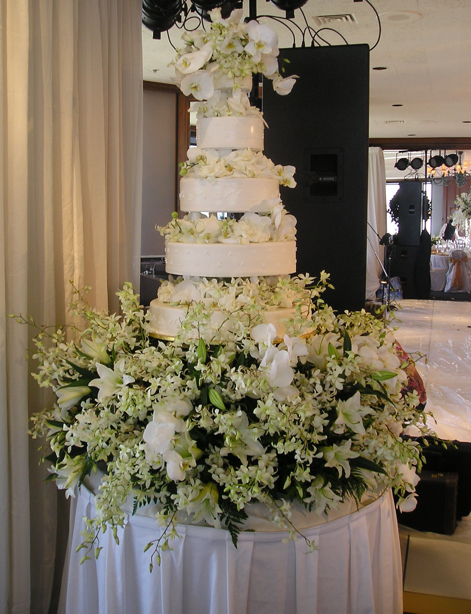 Fabulous Multi Tier Wedding Cake With Dendrobium Orchids By Hoogasian Flowers
